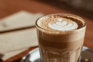 3 Step Simple Homemade Latte Recipes (How to Make a Latte Without an Espresso Machine)