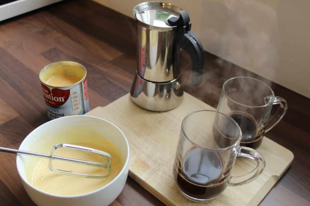 making a spanish latte